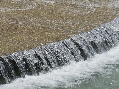 Spilling runoff (Robert Latham Owen Park, Washington, D.C.)