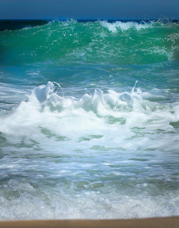 Ocean Surf with Pop-Up Wave