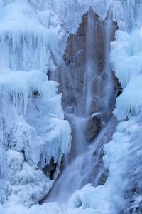 Frozen Shannon Falls 2