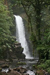 Templo Waterfalls