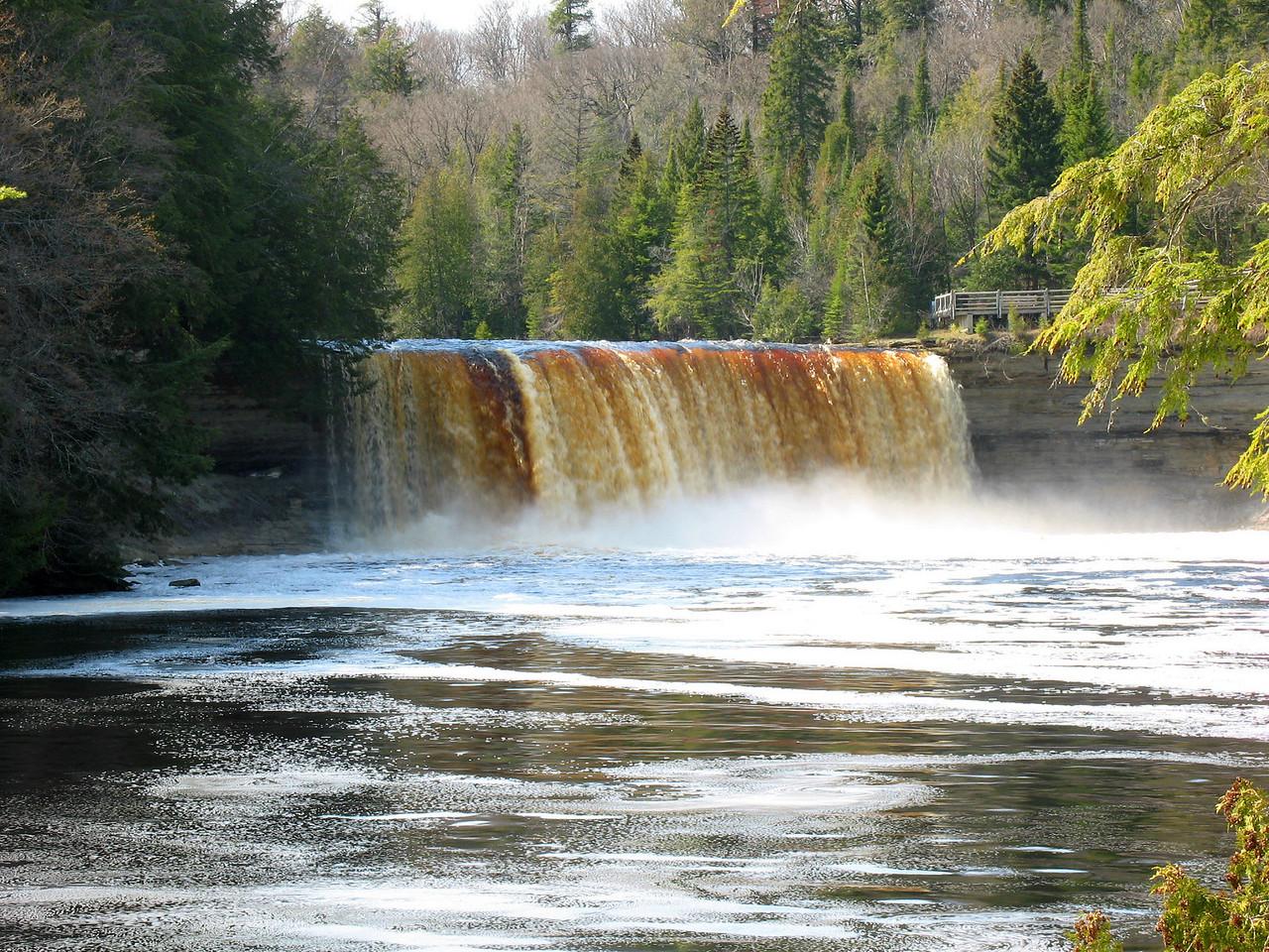 Tahquamenon Falls, Upper