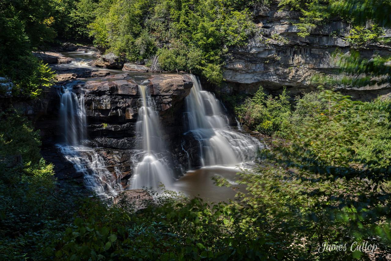 IMAGE: https://photos.smugmug.com/Waterfalls/i-22K7sMZ/0/1cefff99/X2/_MG_4167-X2.jpg