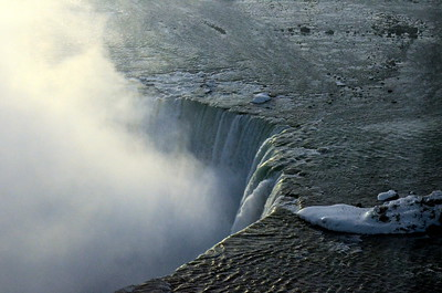Crest of Horseshoe Falls