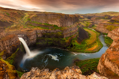 Sunset on the Lower Palouse Falls