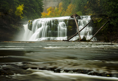 Fall in the PNW- high water and vibrant colors