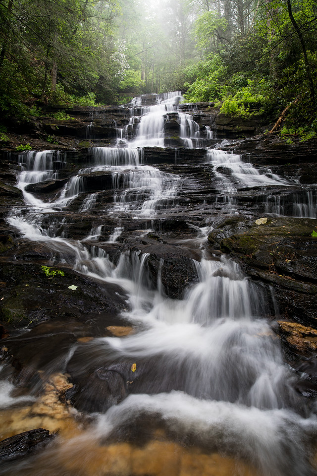 IMAGE: https://photos.smugmug.com/Waterfalls/i-Sb5KzKC/0/ac161276/X2/IMG_17242-170513-X2.jpg
