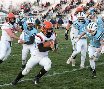 1F1A0869 jpg Evan Davis led all rushers on 36 carries for 221 yards