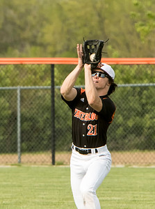 1F1A1530 jpg Colin McFarland whs makes a catch in right field vs CM