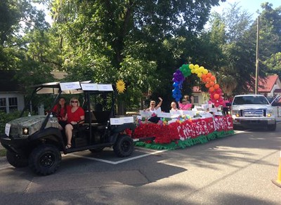 Chamber of Commerce parade float
