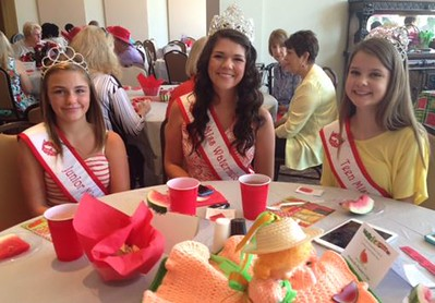 Queens at Woman's Club Luncheon