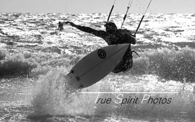 Kitesurfing_&_Windsurfing_08 01 2012_105