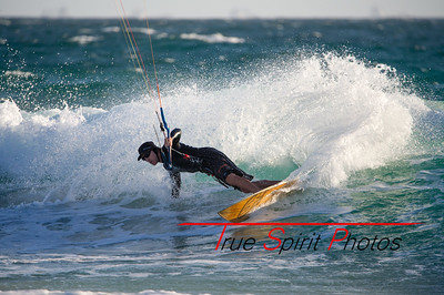 Kitesurfing_November_2014_April_2015_04 03 2015-740