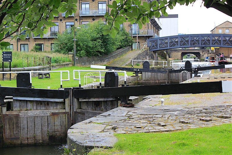 Calder & Hebble – Brighouse
