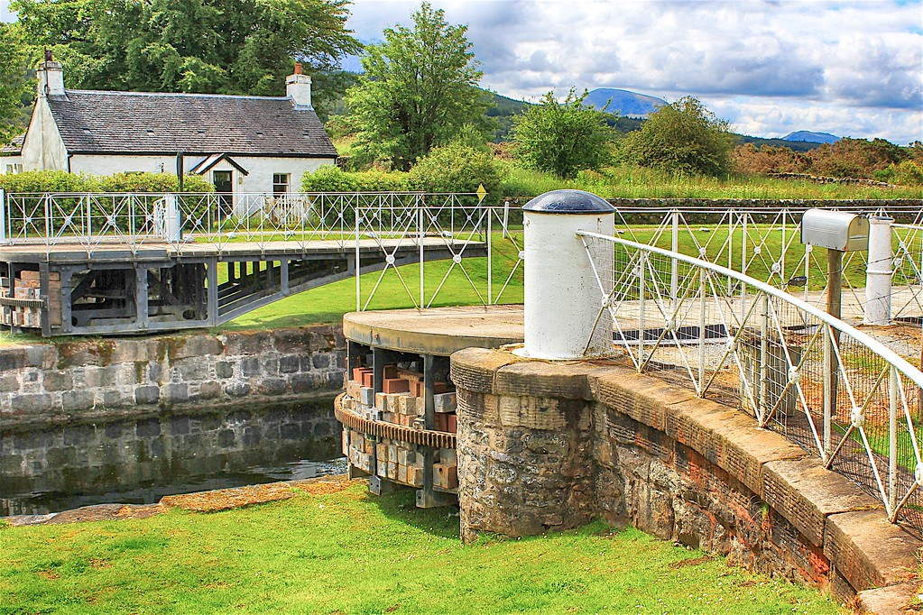 Caledonian Canal – Moy