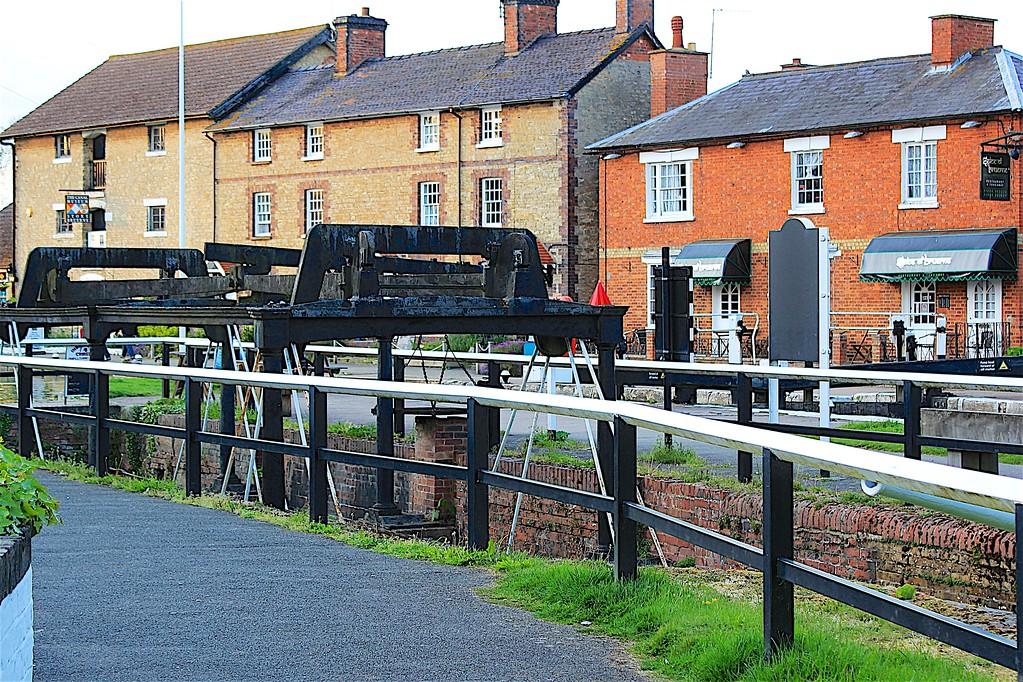 Grand Union Canal – Stoke Bruerne