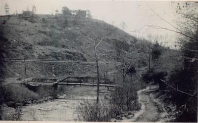 River Road crossing Harris Creek (02042)
