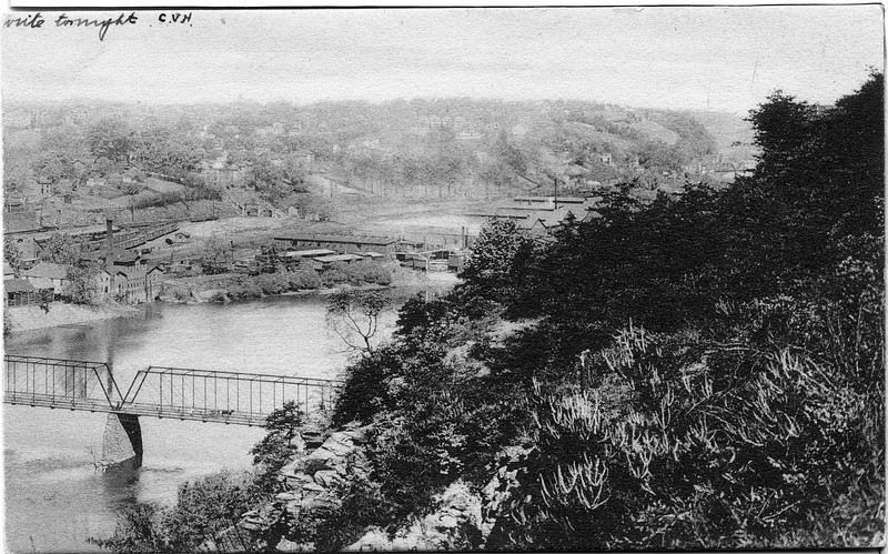 A View of the Riverfront & Daniel's Hill from above Ninth Street Bridge (03044)