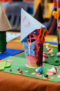 Kinder - Fairy House Making