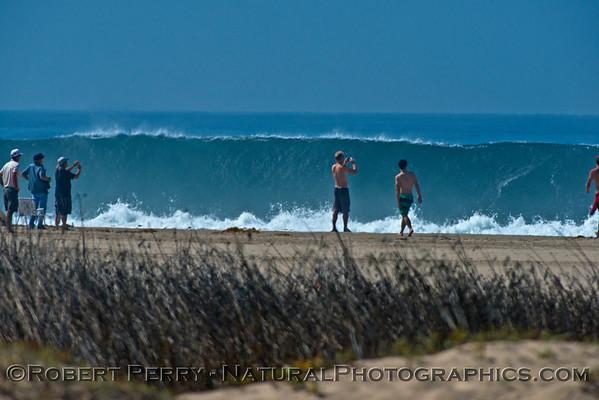 1-waves & people Hurricane Marie 2014 08-27 Zuma- Westward Bch-184