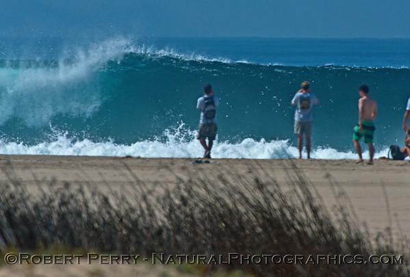 1-waves & people Hurricane Marie 2014 08-27 Zuma- Westward Bch-176