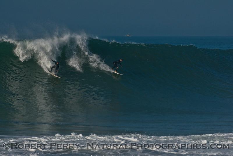 1-waves Hurricane Marie 2014 08-27 Point Mugu Rock-061