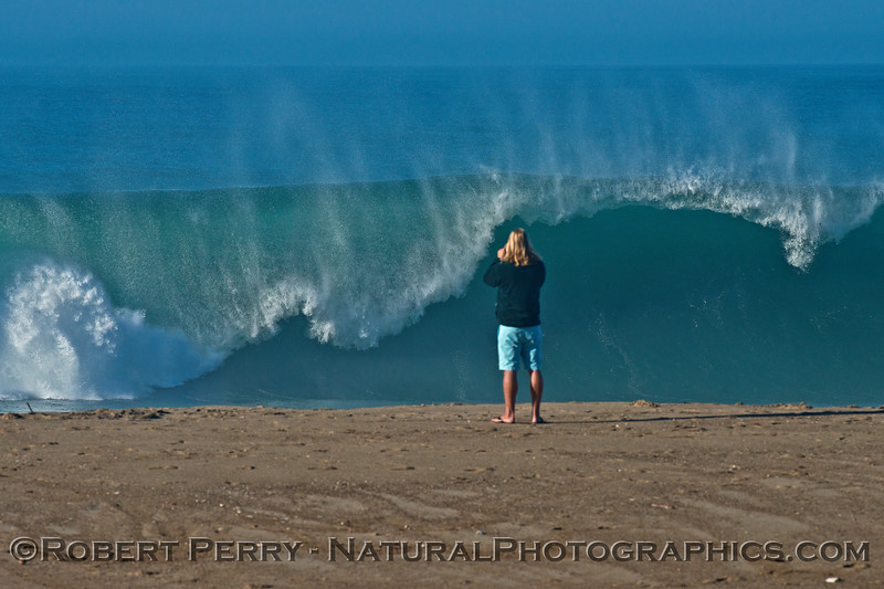 1-waves Hurricane Marie 2014 08-27 Point Mugu Rock-013