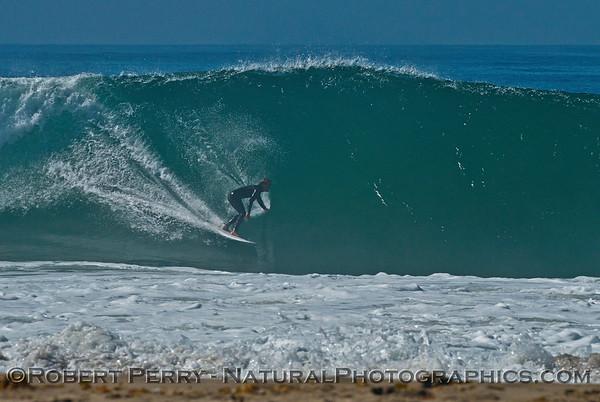 1-waves & people Hurricane Marie 2014 08-27 Zuma- Westward Bch-050