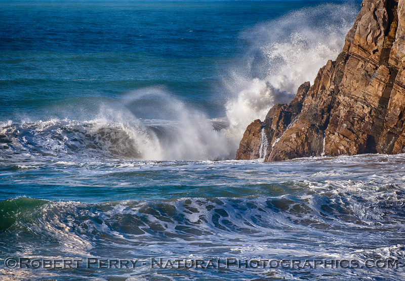 Wave - Mugu Rock 2016 01-07 Waves & Beaches-004