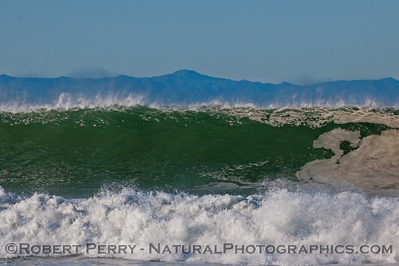 waves 2016 01-12 Ventura Harbor-143