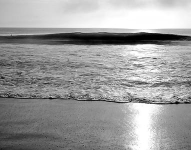Black & White wave 9-23-09  135