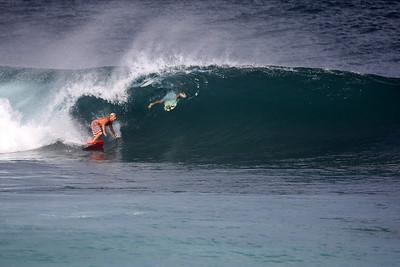 Pipeline- Surfing
