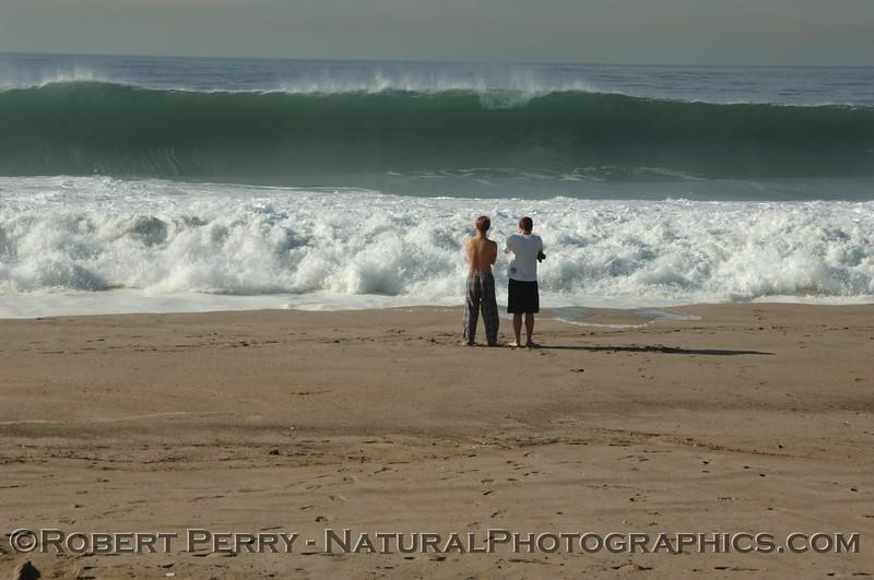 QQQ-Big Waves-2005 12-21 Zuma-136_p1