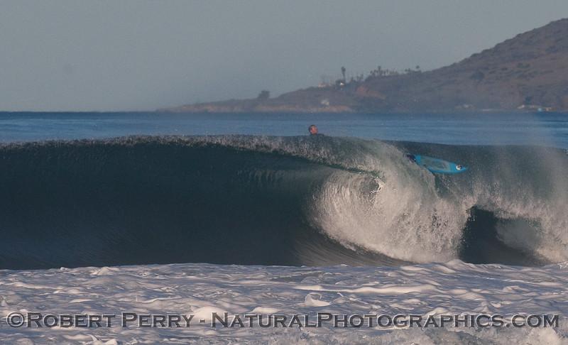 big wave surfer wipe out 2010 01-14 Zuma - 038