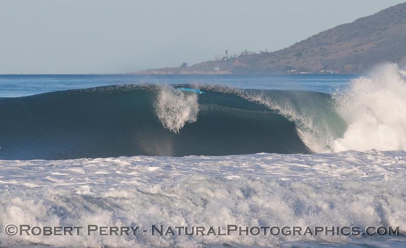 big wave surfboard wipe out 2010 01-14 Zuma - 037
