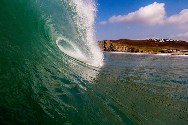 Fantatstic winter surf in Cornwall - 2