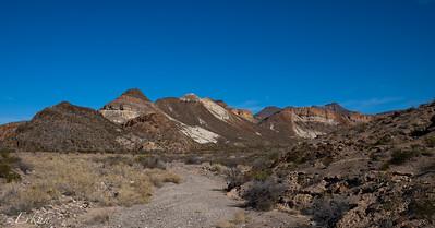 El Camino del Rio: Tapado Canyon