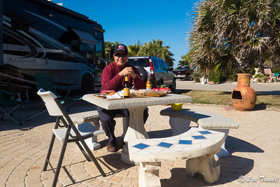 Lunch @ Site 461 at Gulf Waters RV Resort. 20 Jan 2014