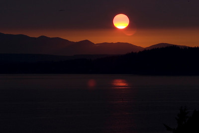 August 1st, 2010 - Shoreline red sun