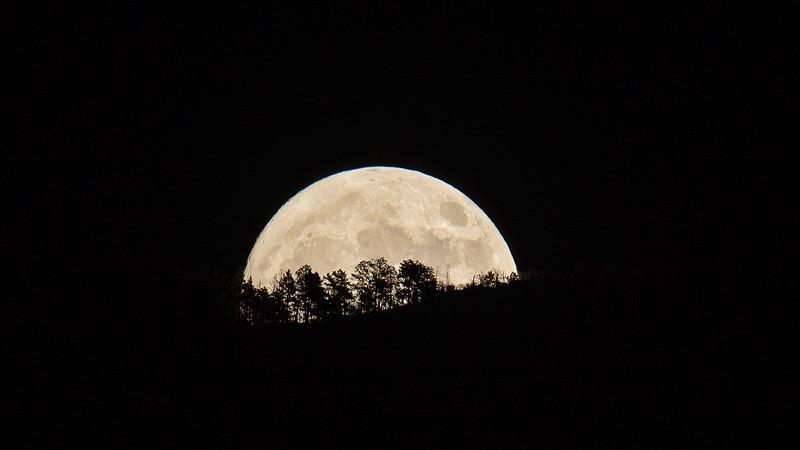 Moonrise, Nov. 13, 2016