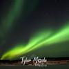 1172  G Aurora Over Coldfoot Inn