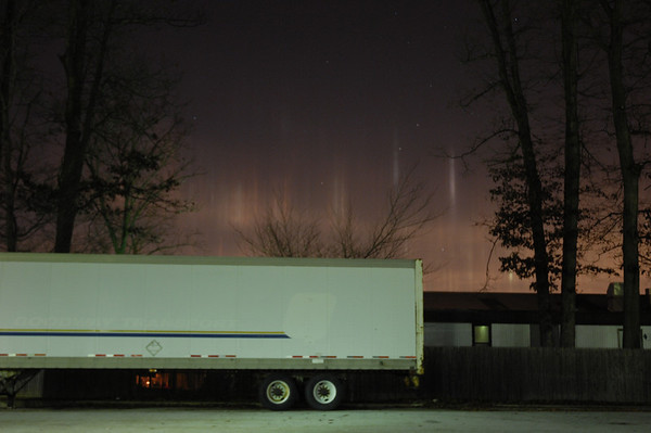 Light Pillars in West Chester - 11-19-08