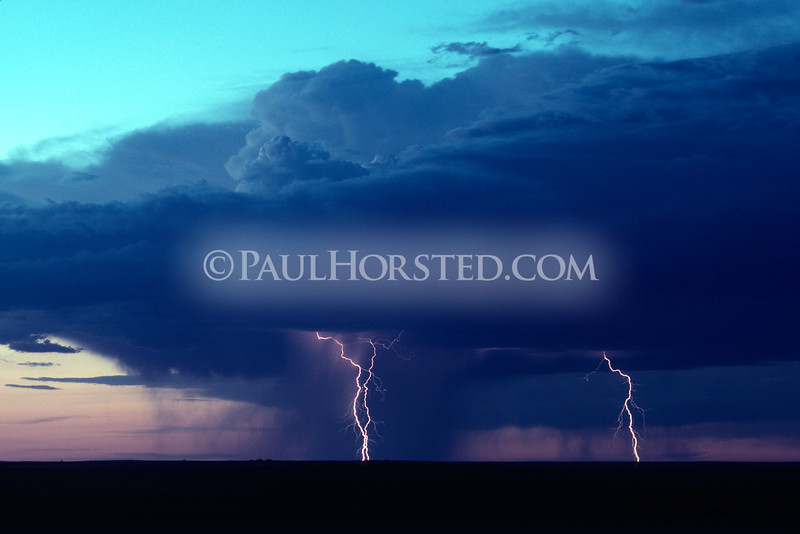 A lone thunderstorm cell moves across the plains of western South Dakota. ©Paul Horsted, All Rights Reserved.
