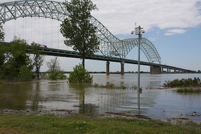 May 3rd, 2011 - Picture taken from Mud Island just north of Mud Island River Park.  This picture appeared on TV5's web site.
