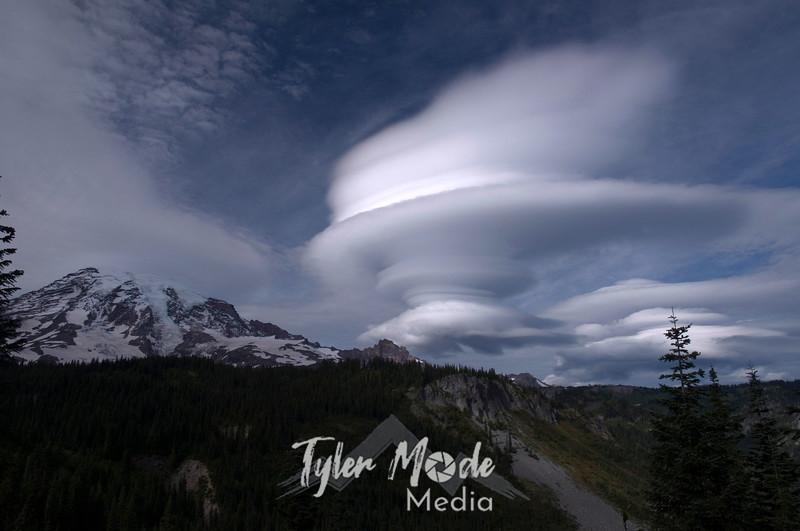 1202  G Rainier and Lenticular Cloud Seq 11
