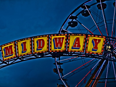 10/4/11: Midway at the Big E.  Glad you all liked the Bird of Paradise yesterday.  Wish it hadn't been thumbed down by the anonymous thumber...