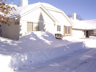 Snow at 4079 Beaver Dam road Eagan after the blizzard of 12/11/2010