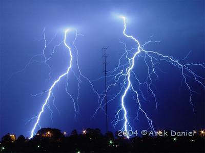 Sony F717 does lightnings...