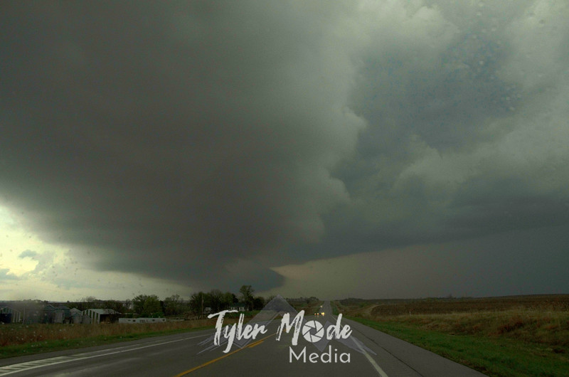 224  G NE Storm Looking North Road