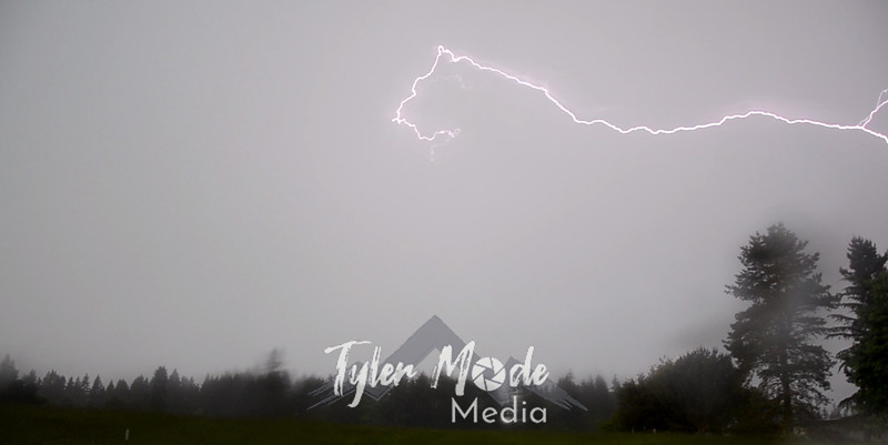 1  Lightning Top