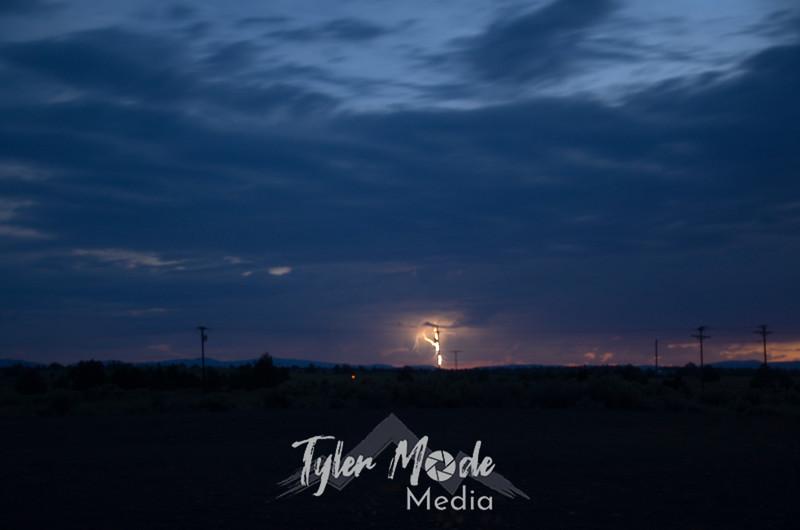 99  Blurry Lightning
